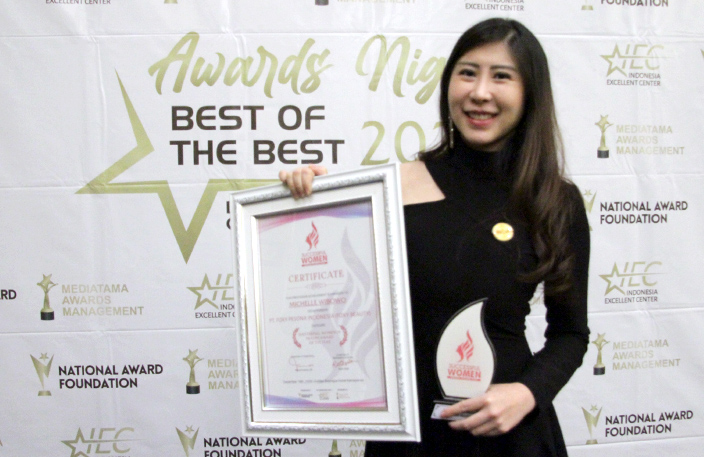 Michelle Wibowo, Raih Penghargaan 'Successful Woman 2020' Bidang Beauty and Health