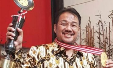 The Inspiring Of Denny JA: Era Penulis Entrepreneur
